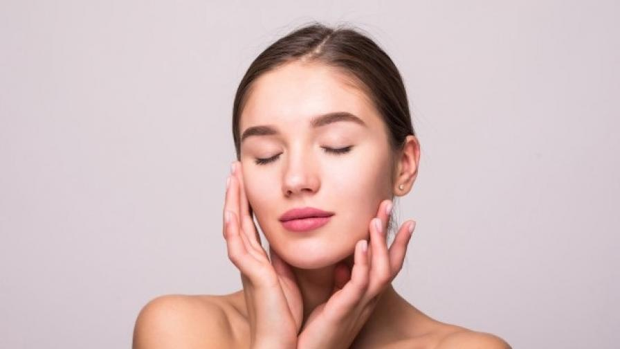 Как да повдигнем отпуснатите контури на лицето. С моментален видим резултат!