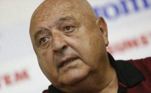 Венци Стефанов: Сираков с извънземни ли говори? Парите от ТВ правата са жизненоважни