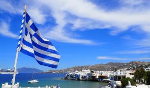 Пада задължителното носене на маски в Гърция - Теми в развитие | Vesti.bg