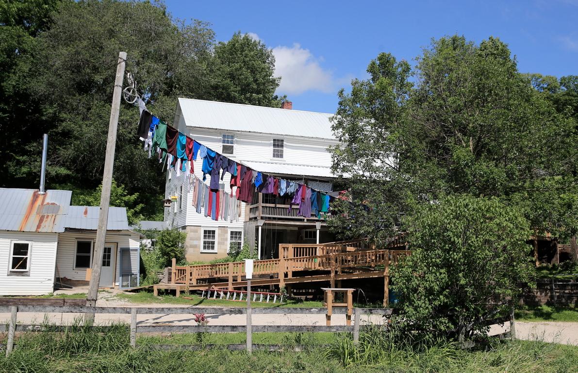 <p>Амишите говорят немски диалект, известен в САЩ като пенсилвански немски.</p>