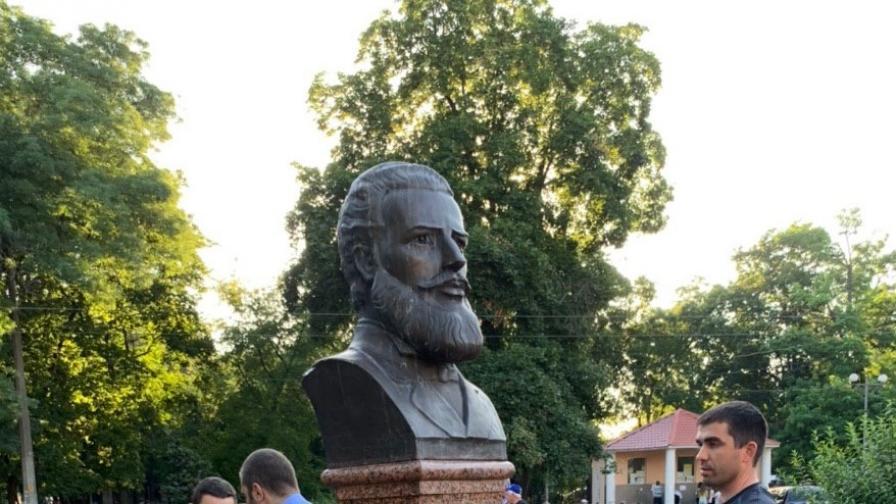 Паметникът на Ботев в Одеса е възстановен