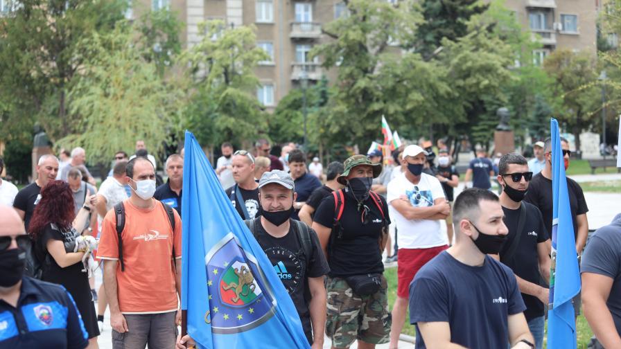 Полицаите отново излизат на протест