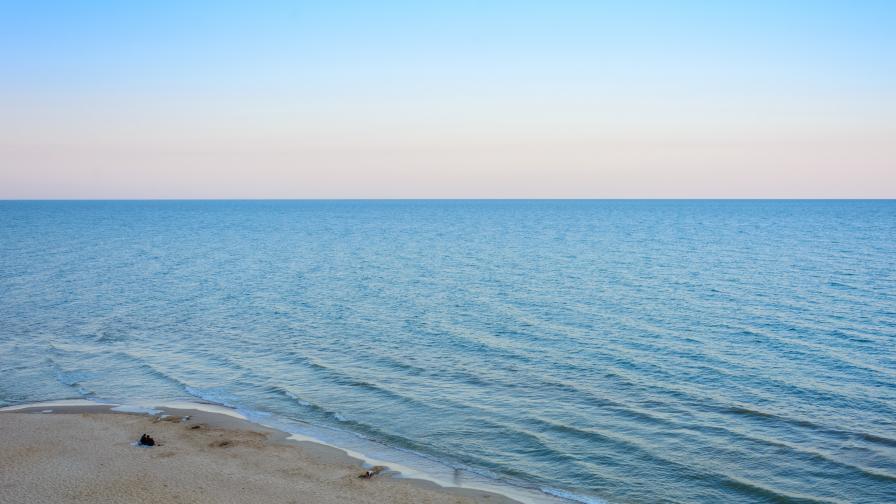 Туристи сигнализират за мръсни води по родното Черноморие