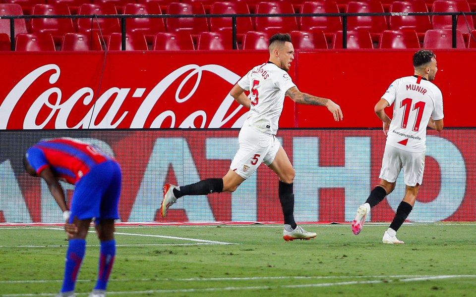Отборът на Севиля се наложи с минималното 1:0 над Ейбар