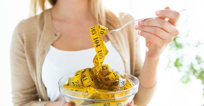 Любопитно 8 трика, с които да контролираме диетата си, без