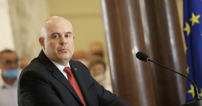 България Гешев: С това си действие Радев наруши Българската Конституция