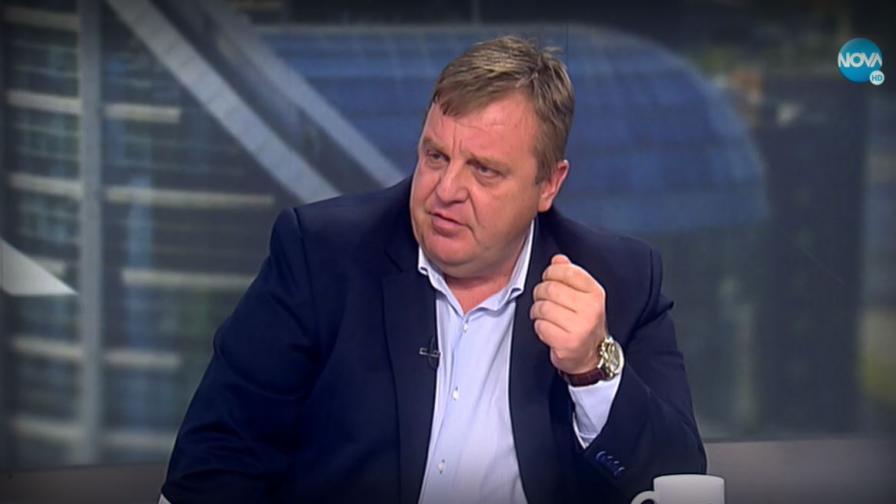 Каракачанов: Президентът излезе от ролята си