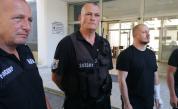 МВР пусна снимки, видео и коментари на пострадали снощи полицаи