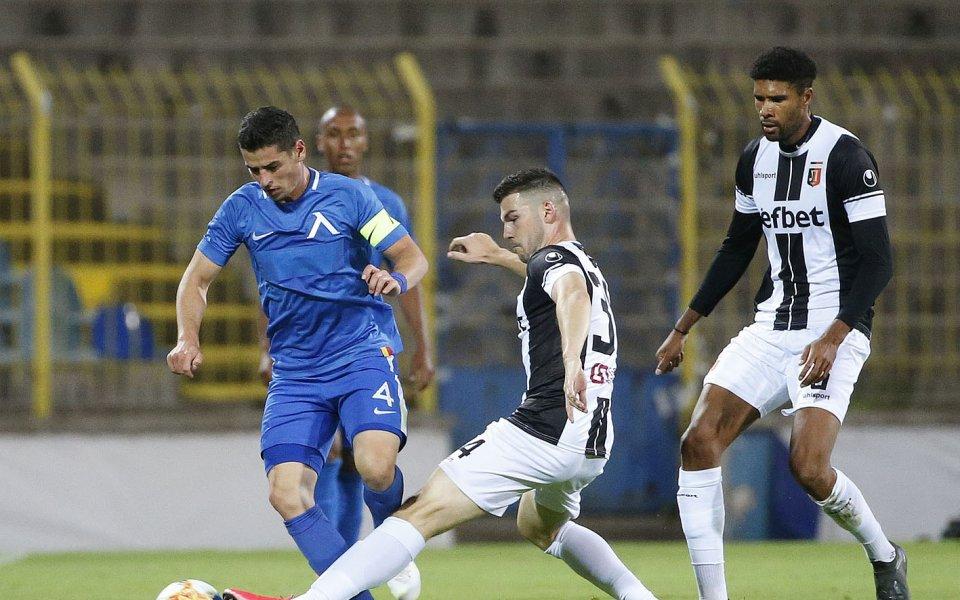 Левски подновява участието си в efbet Лига след едномесечно прекъсване.
