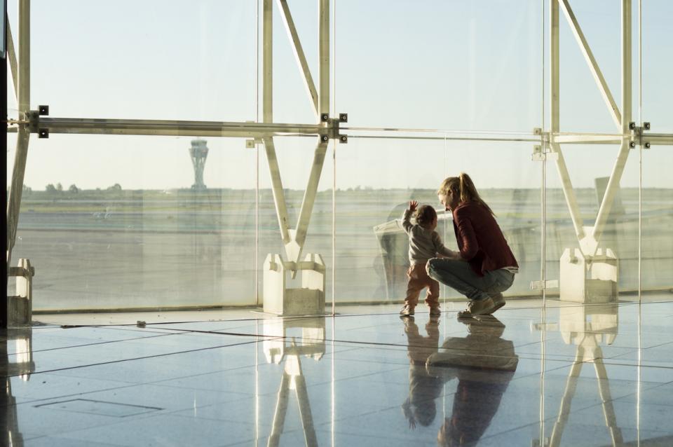 бебе самолет пътуване