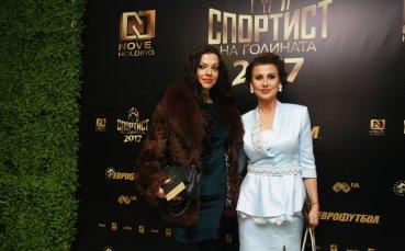 Славея Сиракова е строга господарка по жартиери (снимка 18+)