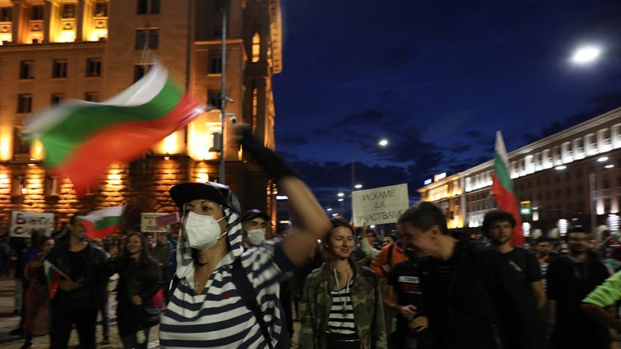 """""""Отровното трио"""" зове към ескалация на протеста"""