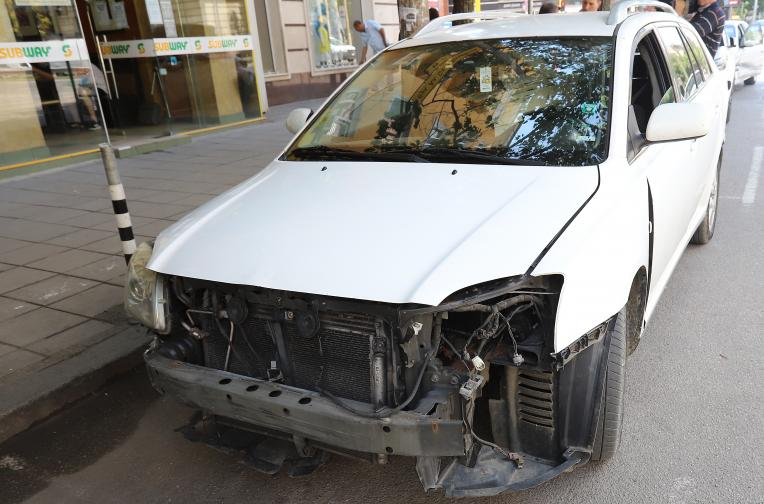 трамвай кола катастрофа софия