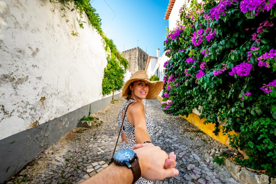 жена щастие лято пътуване