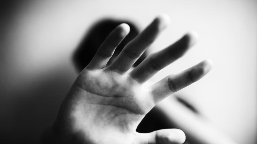 Мъж преби до смърт приятелката си в Шумен