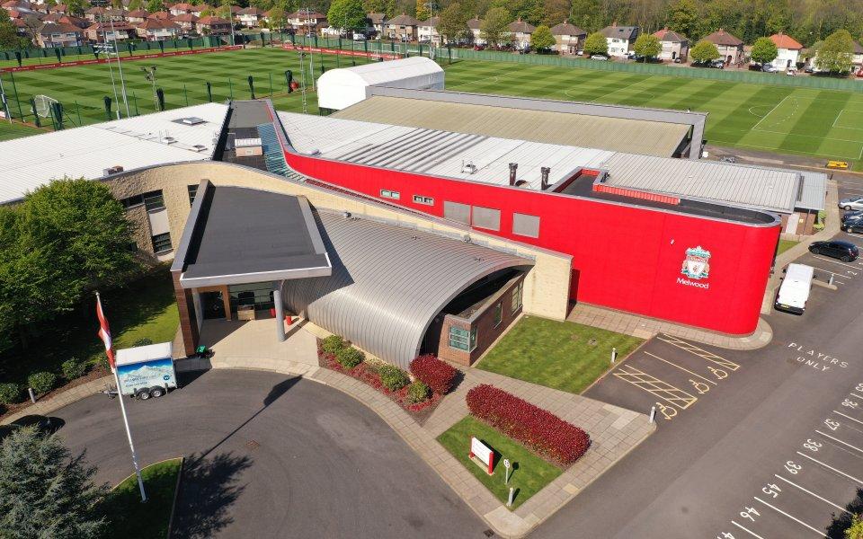 Ливърпул ще забави преместването в новата си ултрамодерна база в
