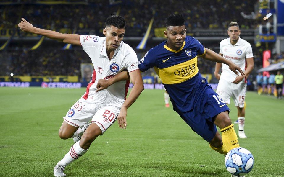 Аякс си хареса полузащитник на Аржентинос Хуниорс