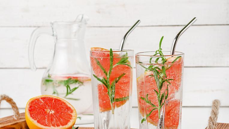 Рецепти за разхлаждащи летни напитки