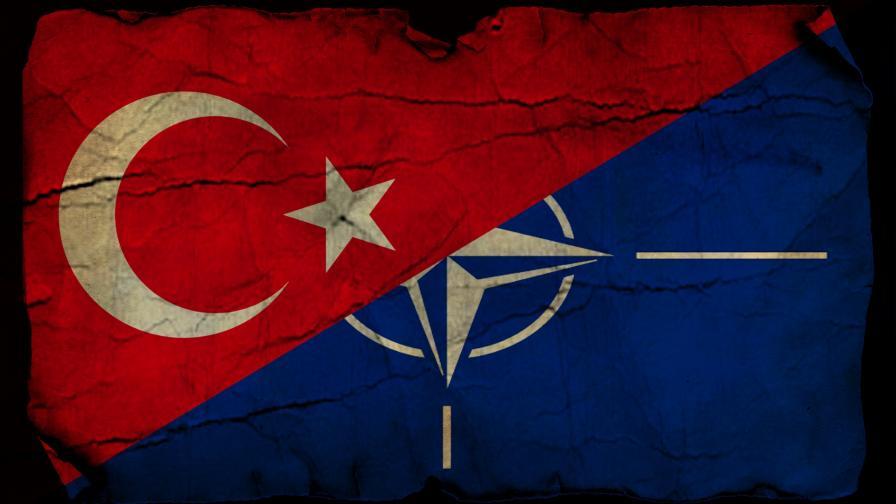 <p>&bdquo;Ню Йорк таймс&rdquo;: Турция се превръща в &bdquo;слона в стаята&rdquo; за НАТО</p>