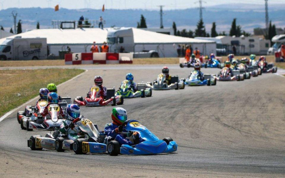 Младата надежда на българския моторен спорт Никола Цолов завърши на