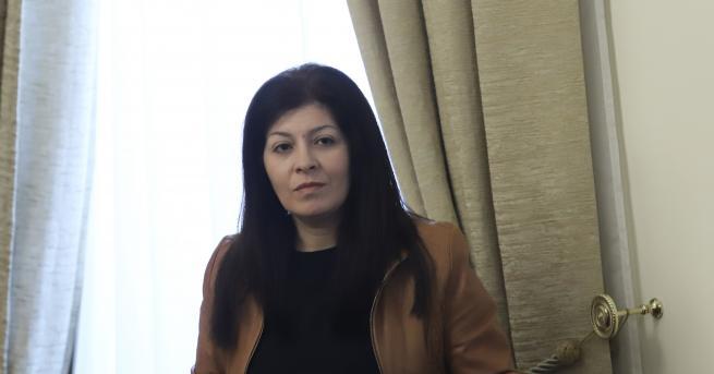 България Севделина Арнаудова напуска Министерския съвет Това потвърди самата тя