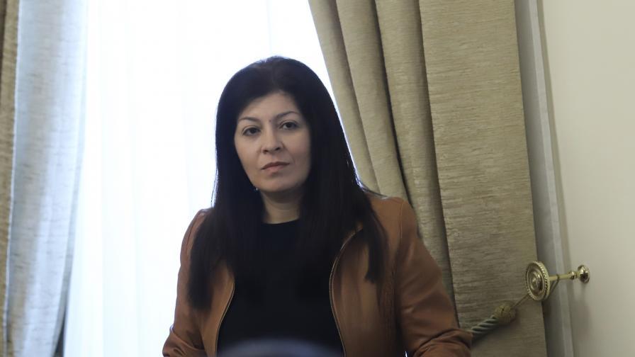 Севделина Арнаудова напуска Министерския съвет