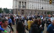 """Протестът в София: Блокираха движението в """"Триъгълника на властта"""""""