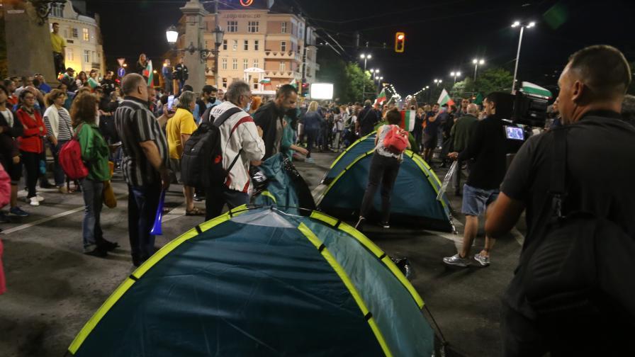 "Протестът в София: Отново блокада на ""Орлов мост"""