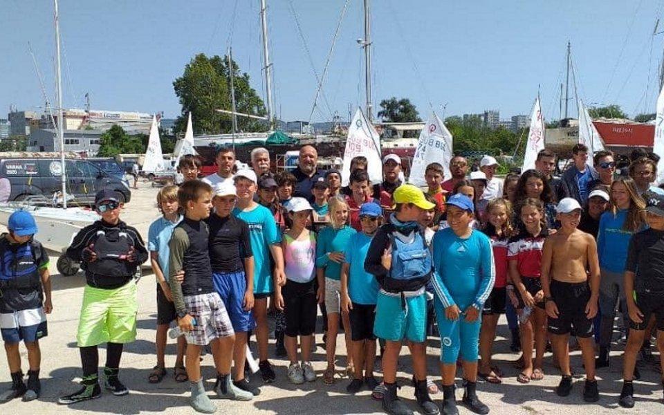 Министърът на младежта и спорта Красен Кралев даде старта на