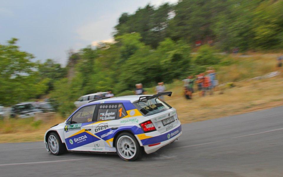 Българите готови за старта, шампионът Ангелов с обновен автомобил