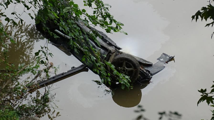 Мерцедес падна в Струма край Кресна, загинал