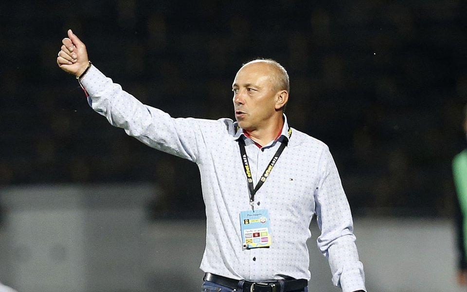 Треньорът на Черно море Илиан Илиев поздрави футболистите си за