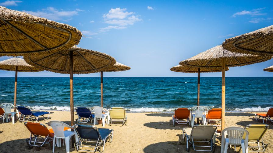 Николова поиска по-ниски цени на чадърите и шезлонгите по морето