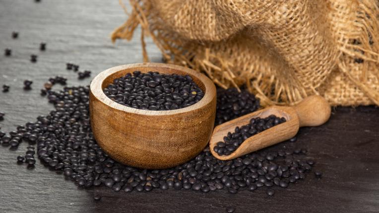 Ползите за здравето от черната леща Белуга