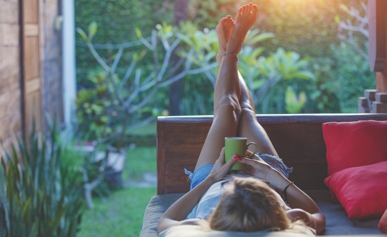 <p>Забързаният начин на живот: Твърде многото ангажименти, започващи от първата секунда на събуждането може да ви накара да мислите, че времето ви е ограничено. След което ще започнете да правите всичко в бързина. Въпреки че това може да ви помогне за оптимизиране на времето, този забързан ежедневен начин на живот може да увеличи чувството на безпокойство. Това в замяна ще повлияе на теглото ви.</p>