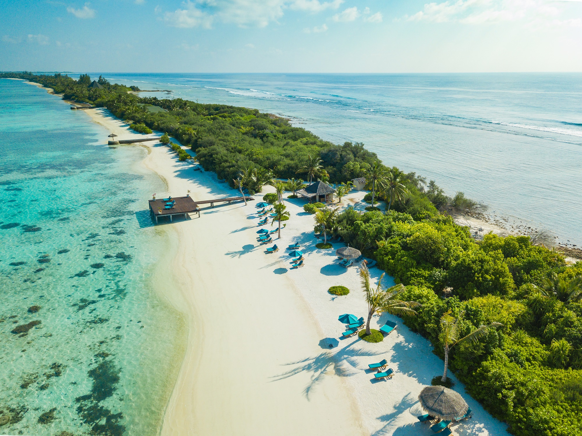 <p><strong>Малдивите</strong></p>  <p>Тези острови край южното крайбрежие на Индия са популярна туристическа дестинация и всяко изменение на климата оказва влияние върху индустрията. Според доклад на Организацията на обединените нации, по-голямата част от земната площ на острова е на по-малко от метър над морското равнище.</p>