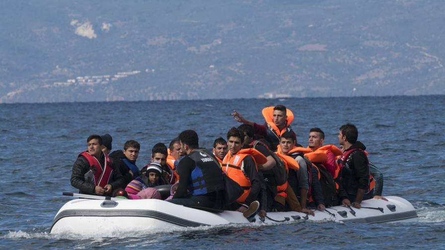Ръст на мигрантския поток през централното Средиземноморие, каква е причината