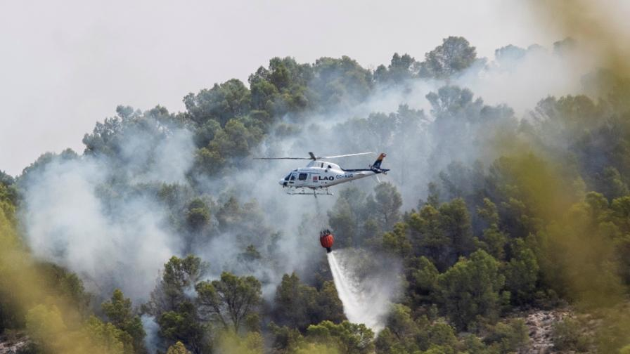 Горски пожар излезе извън контрол в Испания, над 2000 евакуирани