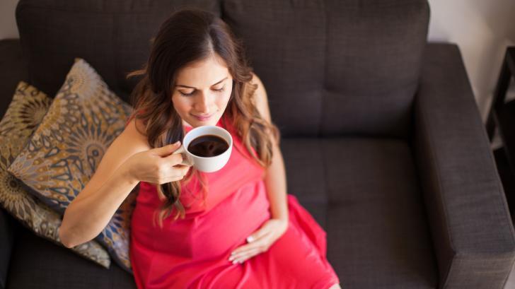 Опасен ли е кофеинът за бременните?