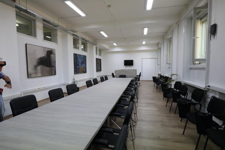 нова пленарна зала