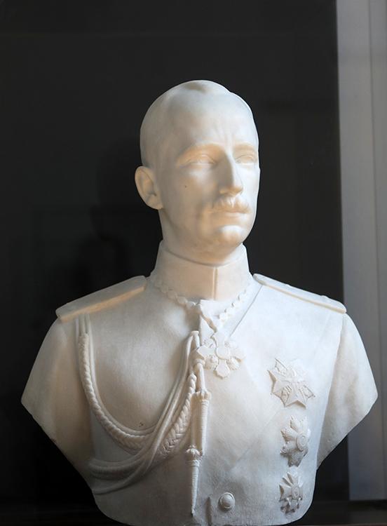<p>Андрей Николов (1878-1959), Бюст на цар Борис III, 1930, мрамор</p>  <p>Andrey Nikolov (1878-1959), Bust of Tsar Boris III, 1930, marble</p>