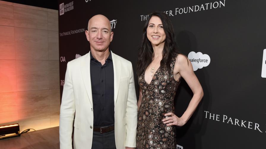 Бившата съпруга на Джеф Безос е най-богатата жена в света