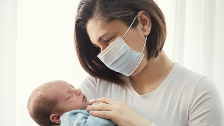 С малко бебе по време на COVID-19: какво да правим в тази обстановка?