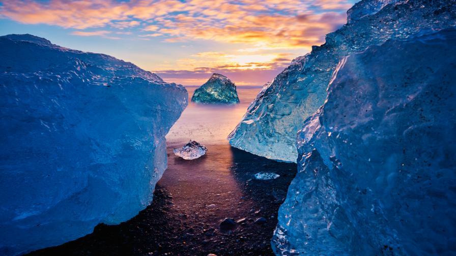 Учените бият тревога, най-големият ледник в Италия се топи светкавично