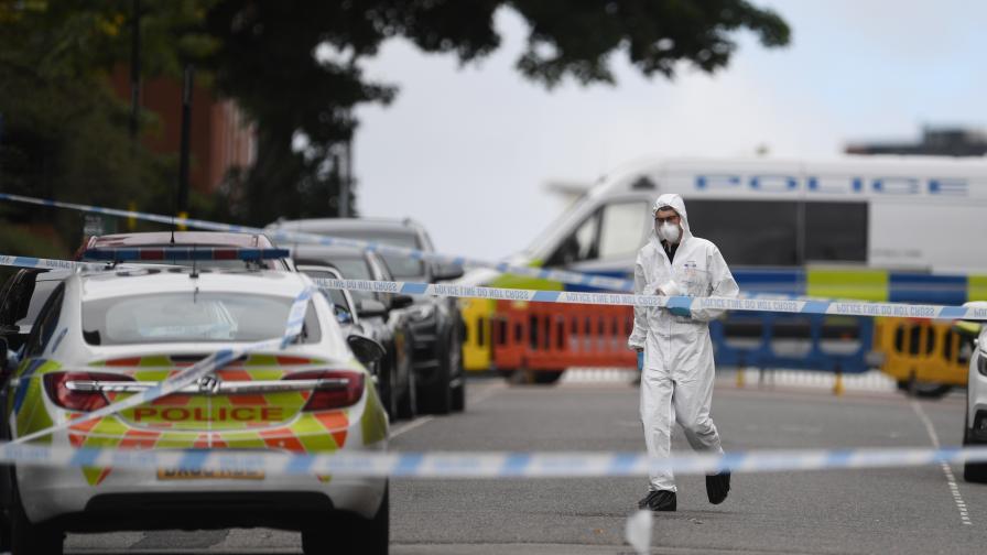 Един убит и двама тежко ранени след нападения с нож в Бирмингам