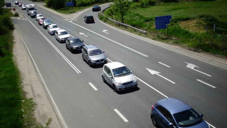 """Очаква се """"Илинден - Ексохи"""" да бъде отворен от утре за тежкотоварни автомобили"""
