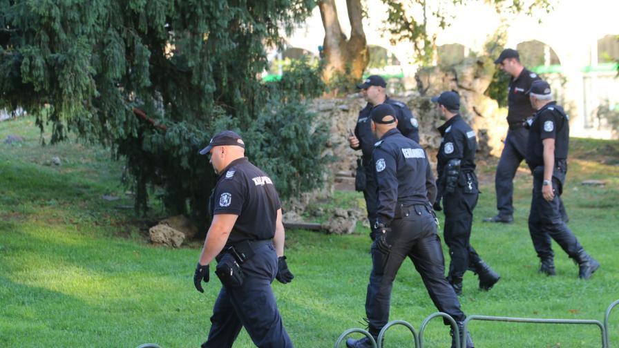 СДВР: Шест души са задържани, двама са обявени за издирване