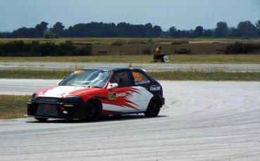Сериозна конкуренция и ново трасе очаква Влъчков на Писта София