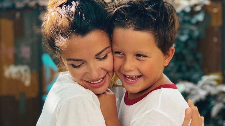 Синът на Асен Блатечки и Диляна Попова навърши 6 годинки (и е копие на баща си!)