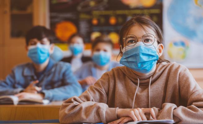 Ето какво реши МОН за маските в училище